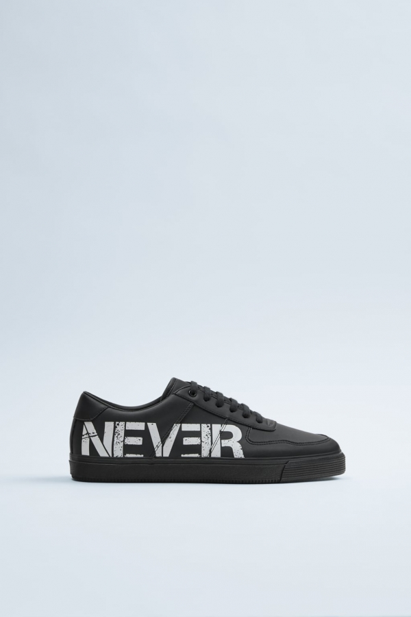 TEXT DETAIL SNEAKERS